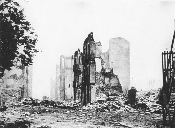 Bundesarchiv_Bild_183-H25224,_Guernica,_Ruinen